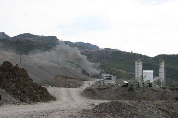 Baraj Protestosunda, Şantiye Konteynırları Ateşe V galerisi resim 1