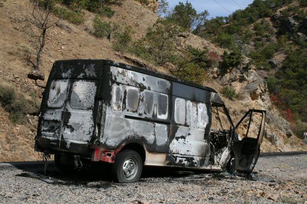 PKK, araç yaktı galerisi resim 1