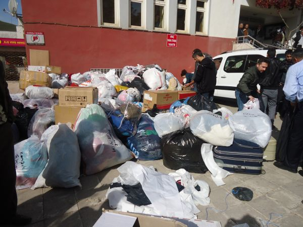 Tunceli'den Van'a yardım galerisi resim 1