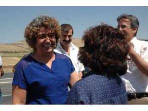 Altun, Milletvekili Emine Ayna'yı karşıladı