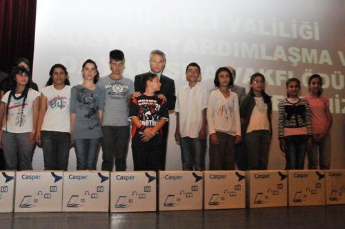 Başarılı Öğrenciler Bilgisayarla Ödüllendirildi galerisi resim 1