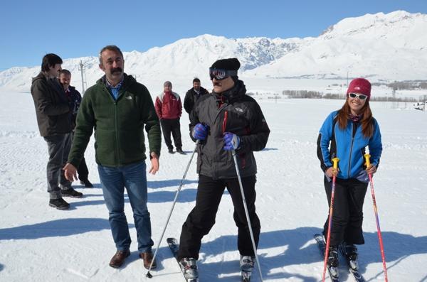 Ovacık'ta kayak keyfi galerisi resim 1