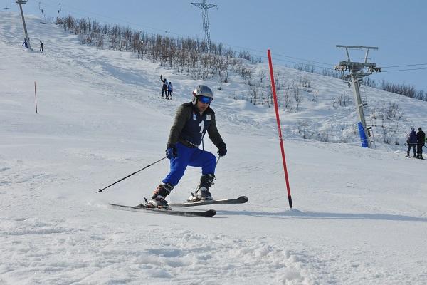 Ovacık'ta kayaklı koşu yarışı gerçekleşti galerisi resim 1