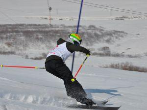 Ovacık'ta kayaklı koşu yarışı gerçekleşti