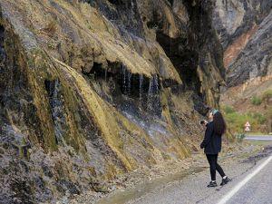"""""""Ağlayan Kayalar"""" ziyaretçilerin ilgi odağı"""