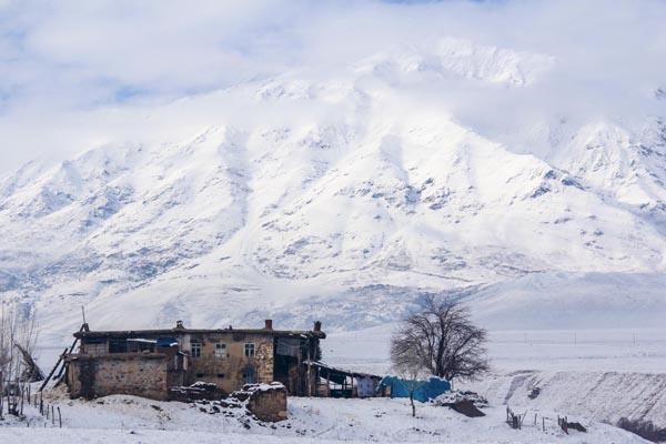 Ovacık'ta kış, zorlukları ve güzellikleriyle yaşanıyor galerisi resim 1