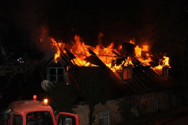 Tarihi kışlada yangın! galerisi resim 1