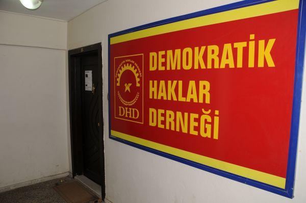Tunceli'de Dernek Binasına Baskın, 4 Kişi Gözaltın galerisi resim 1
