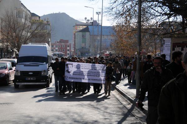 Gözaltılar Protesto Eden Grup, Emniyet Müdürlüğü Ö galerisi resim 1