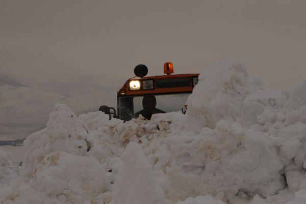 Tunceli'de kar yağışı nedeniyle 160 köy yolu ulaşı galerisi resim 1
