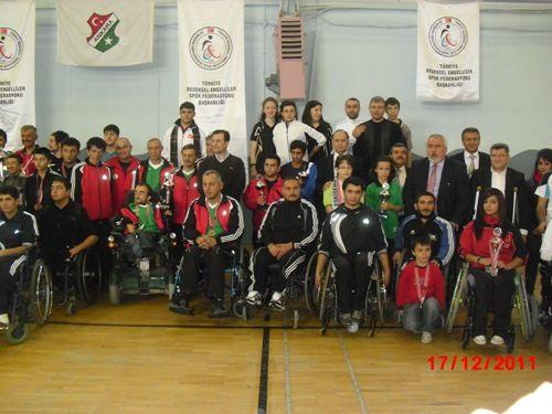 Bedensel Engellilerin Masa Tenisi Başarısı galerisi resim 1