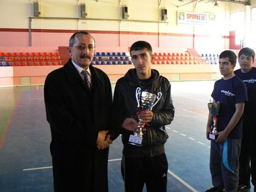 Gençler masa tenisi düzenlenen ödül töreniyle sona galerisi resim 1