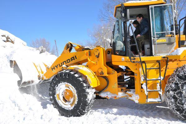 Belediye Başkanı Kar Çalışmalarını İnceledi galerisi resim 1
