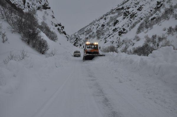 Tunceli'de 233 Köy Yolu Ulaşıma Kapandı galerisi resim 1