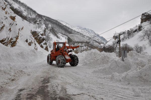 Tunceli'de 216 köy yolu ulaşıma kapalı galerisi resim 1