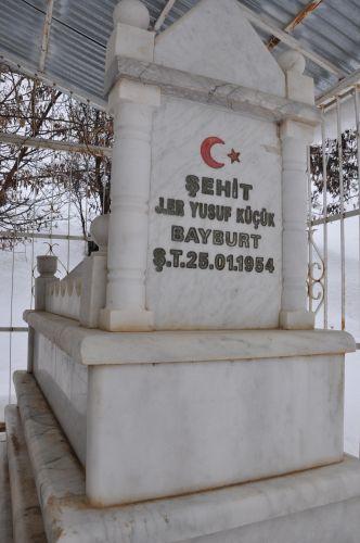 Tunceli'de İki Asker Mezarı galerisi resim 1