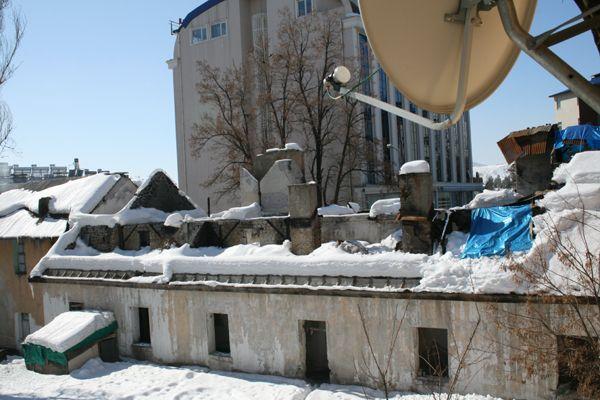Kışla Yangını Mağdurları Yardım Bekliyor galerisi resim 1