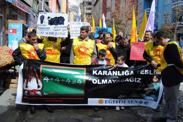 Eğitimciler ve veliler,  4+4+4'ü protesto etti galerisi resim 1