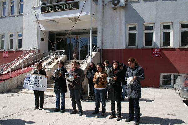 İşsiz Kalan Kadınlardan, Tencere Tavalı Protesto galerisi resim 1
