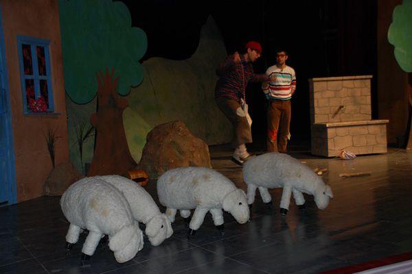 """""""Can Kardeşler"""" Tiyatro Oyunu Öğrencilerle Buluştu galerisi resim 1"""