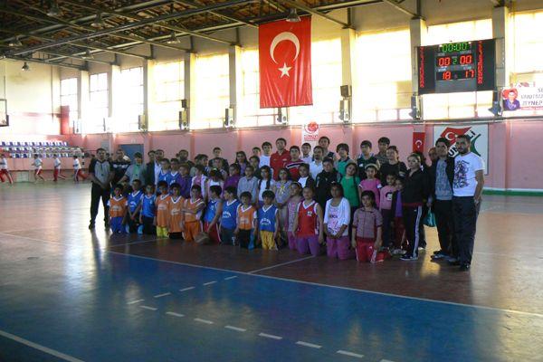 Sporcular, Zeynep Hocayı Unutmadı! galerisi resim 1