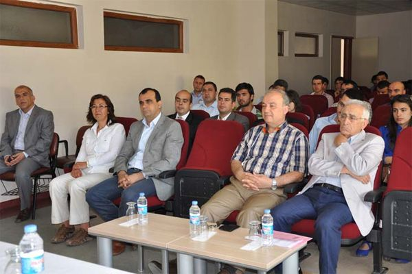 """""""Atatürk ve Gençlik"""" Konulu Konferans galerisi resim 1"""