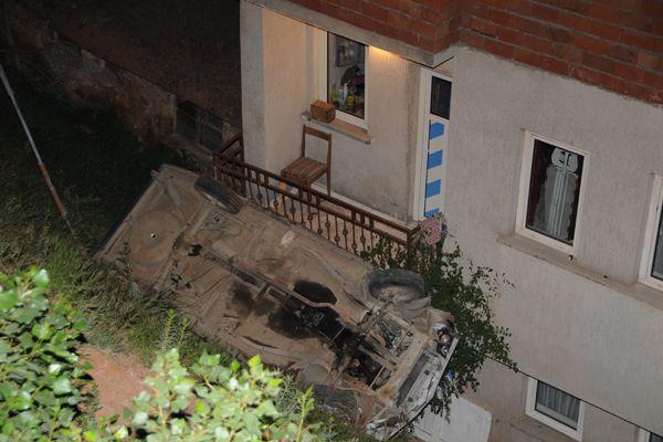 Balkona LPG'li araç düştü galerisi resim 1