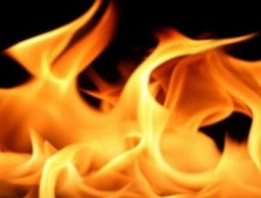 Nazımiye'de yangın: 1 ev yandı