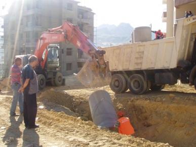 Atatürk Mahallesinde yağmur suyu kanalı çalışması