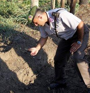 Tarlada patlamamış el bombası bulundu