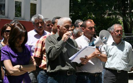 YEREL YÖNETİMLERDE ÇALIŞAN SÖZLEŞMELİ PERSONEL DE KADRO İSTİYOR...