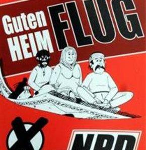 Almanya'da yabancıları kızdıracak afişler