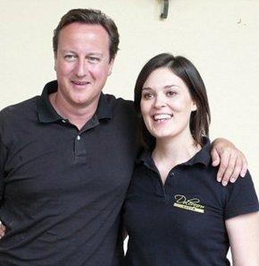 İngiltere Başbakanı o garsonla barıştı