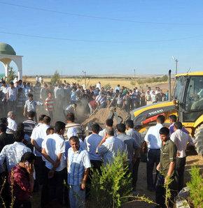 Suruç'taki kavgada ölen 5 kişi toprağa verildi!