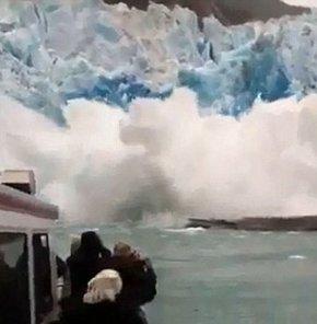 Alaska'da turist gemisi çöken buzula yaklaşınca VİDEO