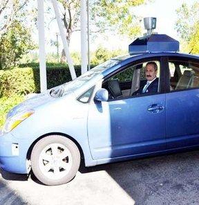 Bakan Çağlayan'a 'insansız otomobil' sürprizi!