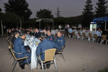 Vali Taşkesen'den Şehit Aileleri ve Gazilere İftar Yemeği