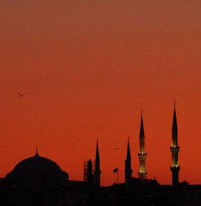 Belgrad'da cami kundaklandı