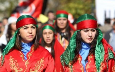 """Aleviler'de Mal Varlıklarını İstedi: CHP'den """"Cemaat"""" Çıkışı"""