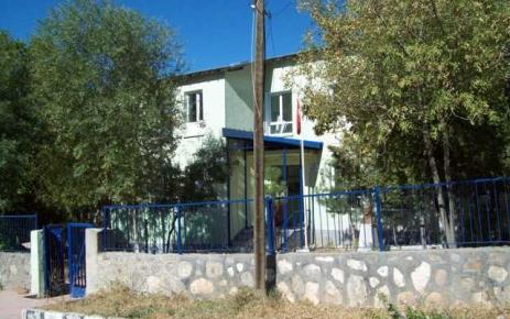 Fatih Lisesi kendi binasında