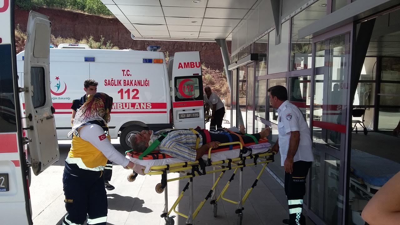 Otomobil Şarampole Devrildi: 9 Yaralı