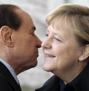 Berlusconi Merkel'e küfür etmiş
