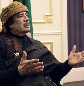 Kaddafi'den ziyarete tepki