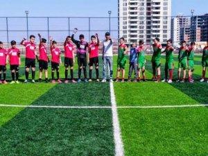 Dersim gençleri Diyarbakır'ın gençleriyle kucaklaştı