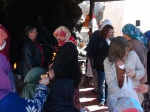 Kara Çarşamba'da Gole Çetu'ya ziyaret (VİDEO HABER)