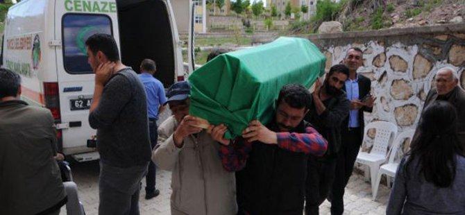 Kemal Gün, oğlunun kemiklerini toprağa verdi