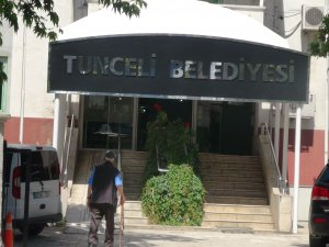 Dersim tabelası indirildi Tunceli asıldı