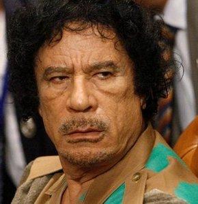 Libyalılar, Kaddafi'nin Nijer sınırında olduğunu düşünüyor