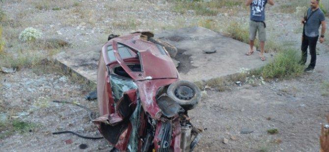 Kontrolden çıkan araç MOBESE direğine çarptı: 1 Yaralı