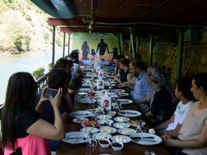 AK Parti İl Başkanı Tek, kadın ve çocuklarla biraraya geldi